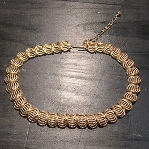 Jewelry - Vintage/vintage look goldtone necklace